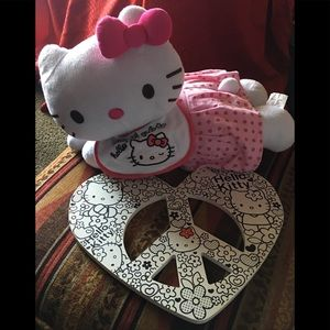 🌸HELLO KITTY and wood peace sign
